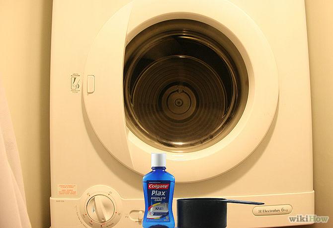 Το ξέρατε ότι με το στοματικό διάλυμα μπορείτε να καθαρίσετε τη λεκάνη της τουαλέτας;Δειτε και αλλες 7 χρησεις που θα σας ενθουσιασουν