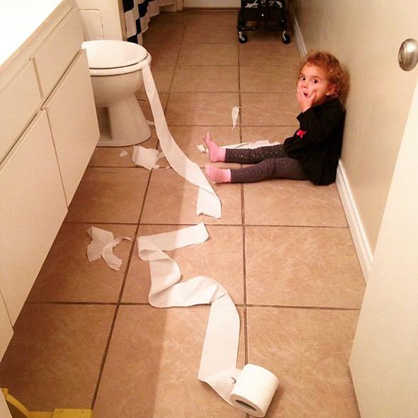 Δείτε τι σημαίνει να είσαι γονιός στη πραγματικοτητα!Ξεκαρδιστικο!