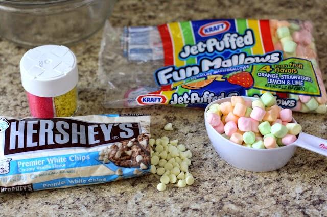 Με 3 μόνο υλικά φτιάξε για το Πάσχα ένα γλυκάκι στόλισμα!