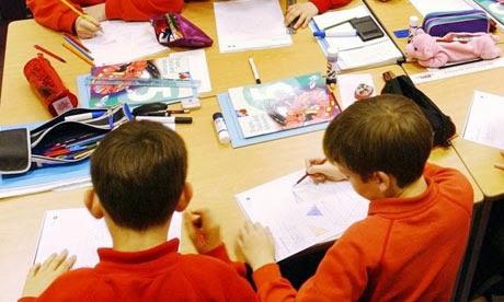 25 ερωτήσεις που σας βοηθήσουν να μάθετε με πλάγιο τρόπο τι γίνεται στο σχολείο του παιδιού σας