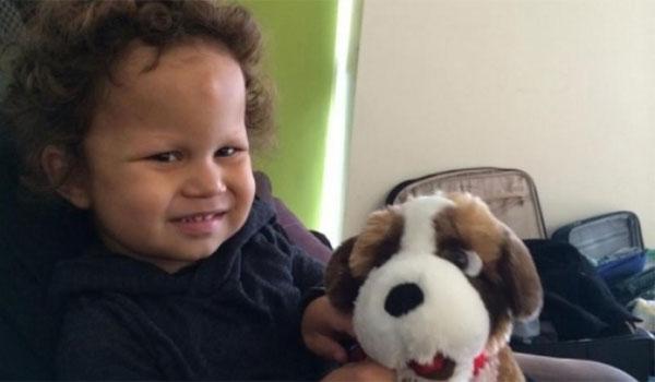 Το 3χρονο αγοράκι που κινδυνεύει να μεταμορφωθεί σε άγαλμα
