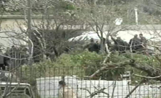 Αυτή την ώρα η κηδεία του Βαγγέλη Γιακουμάκη -Με μπαλωθιές οδηγείται στην τελευταία κατοικία, λιποθύμησε η μητέρα του [εικόνες]