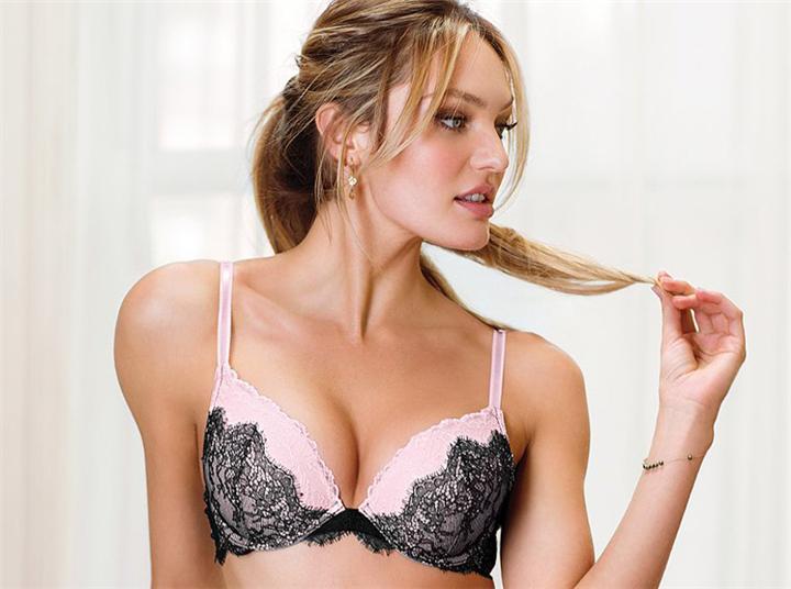 5 κακές συνήθειες των γυναικών που έχουν αντίκτυπο στο στήθος τους!