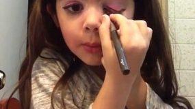 Θλιβερό: 5χρονο κοριτσάκι μοιράζει συμβουλές ομορφιάς στο διαδίκτυο και προκαλεί θύελλα αντιδράσεων