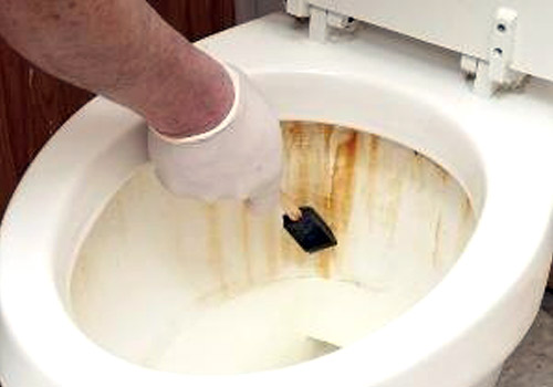 Ετσι θα καθαρισετε τα ΠΑΝΤΑ στο μπανιο!
