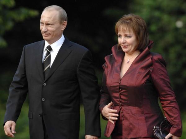 Απίστευτη δήλωση της πρώην συζύγου Πούτιν:Ο άνδρας μου είναι νεκρός, αυτός που κυβερνά είναι ο σωσίας του ΒΙΝΤΕΟ