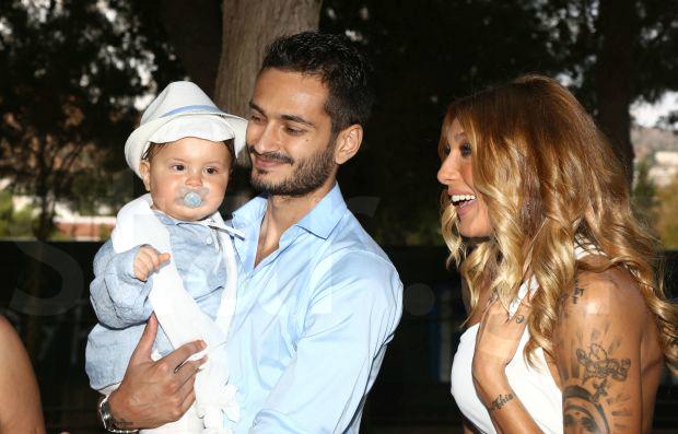 Αγγελική Ηλιάδη-Σάββας Γκέντσογλου βάφτισαν τον γιο τους!Δειτε τις φωτογραφιες