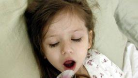 Παιδί και φάρμακα: Πώς θα το πείσετε να πίνει τα φαρμακα