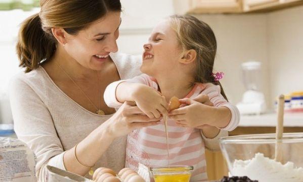 Για αυτούς τους οχτώ λόγους πρέπει να μαγειρεύουμε  μαζί με τα παιδία