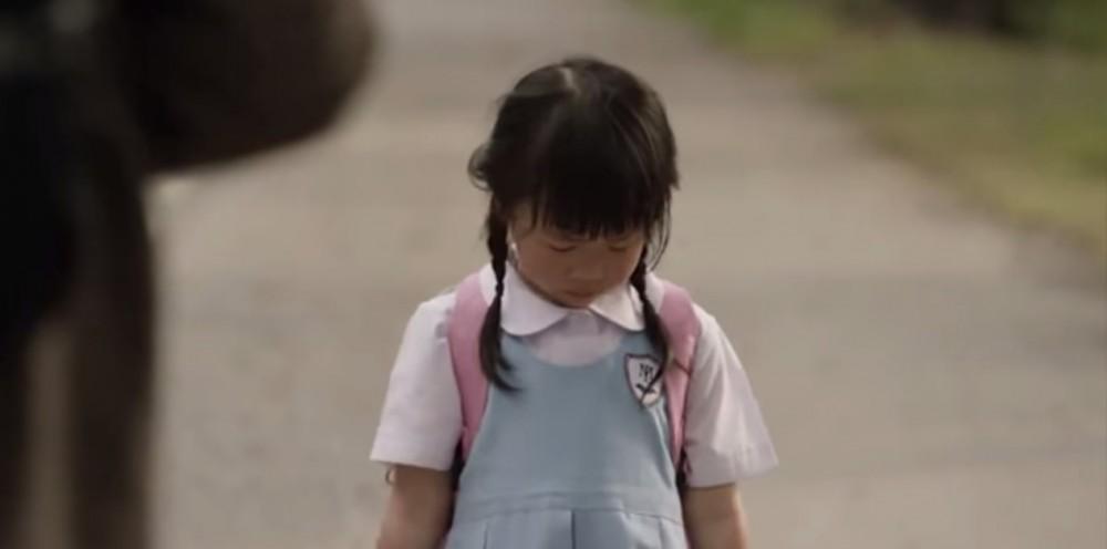 Ο μπαμπάς αυτού του κοριτσιού, της έλεγε ψέμματα κάθε μέρα!Όταν είδα γιατί έσπασε η καρδιά μου...