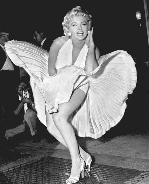 Ο μύθος της Marilyn Monroe καταρρέει: Αξύριστα πόδια, πλαστικό στήθος και ψευτικα δόντια, αναφέρει ο νεκροθάφτης