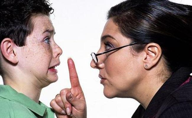 Μια αγανακτισμένη νταντά λύνει τη σιωπή της!