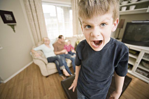 Αυτά είναι τα σημαντικότερα λάθη που κάνουν οι γονείς και κακομαθαίνουν το παιδί τους