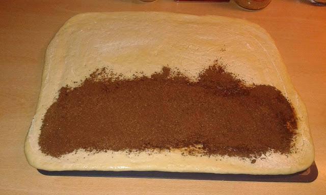 Συνταγή για σοκολατένια φιογκάκια από τη Μυρτώ Αγγέλου