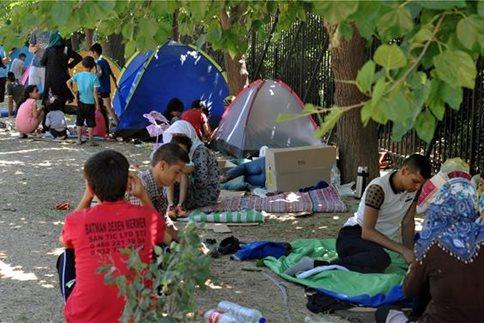 Προσοχή: Πρόσφυγες χρειάζονται τη βοήθεια μας!!