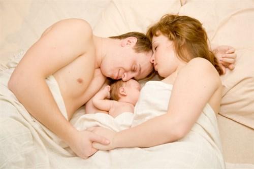 Θηλασμός: Όλα όσα χρειάζεται να γνωρίζει ένας μπαμπάς!