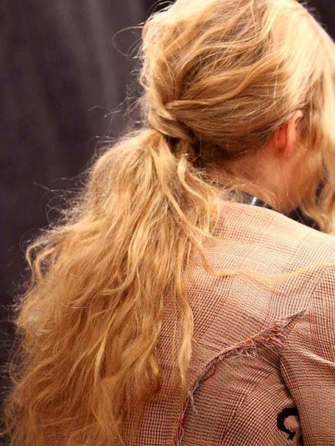 Φτιαξε σπαστά κυματιστά messy μαλλιά, δεν θέλεις παρά μόνο 5 λεπτά!