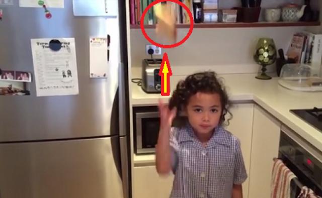 Η μικρή είναι απίστευτη! Δείτε τι κάνει σε 33 δευτερόλεπτα και θα πάθετε πλάκα! ΒΙΝΤΕΟ