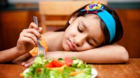Αυτές τις εκφράσεις ΔΕΝ πρέπει να τις πείτε ποτέ στο παιδί σας και αφορούν τη διατροφή του