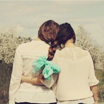 15 λόγοι που αγαπας τοσο πολυ τις παιδικες σου φιλες!