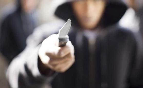 Σοκ στην Χαλκίδα: 12χρονος πήγε να μαχαιρωσει αστυνομικό