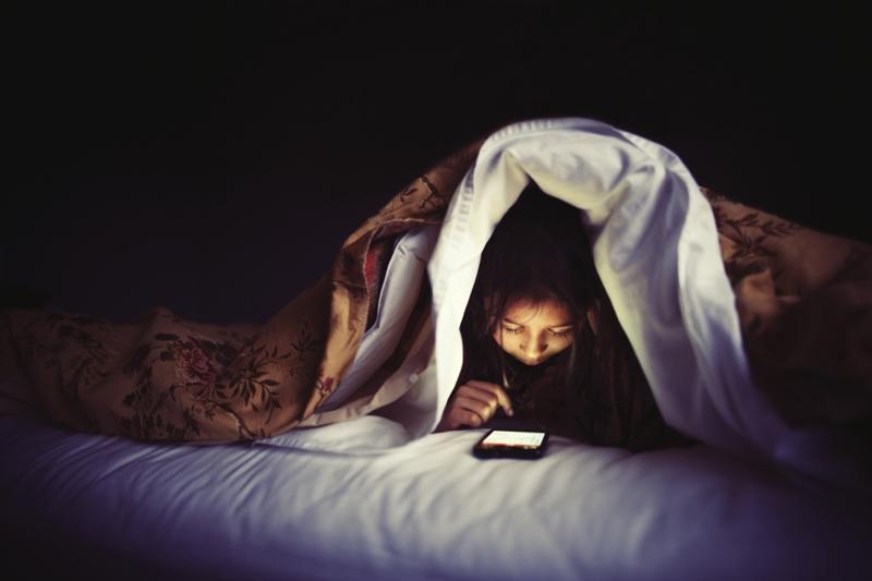 Τι θα συμβεί αν αφήσετε τα παιδιά σας να κοιμηθούν αργά;