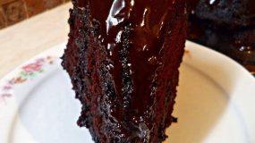 Νηστίσιμο σοκολατένιο σιροπιαστό  κέικ με επικάλυψη μερέντας απο τη Σοφη Τσιώπου!