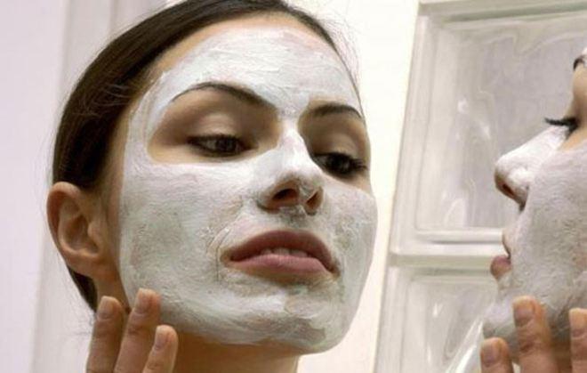 Μάσκα προσώπου με ασπιρίνη για βαθύ καθαρισμό