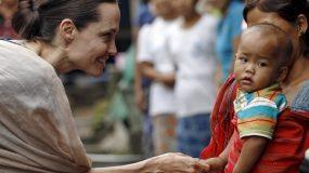 Σοκάρουν οι νέες φωτογραφίες της Αντζελίνα Τζολί.Πάσχει από νευρική ανορεξία ;