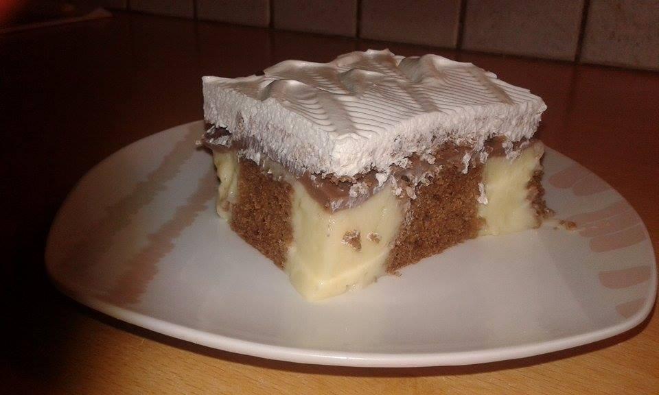 Κέικ σοκολατένιο με πουτίγκα