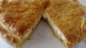Συνταγή για πεντανόστιμη τυρόπιτα με ΜΟΝΟ δύο υλικά