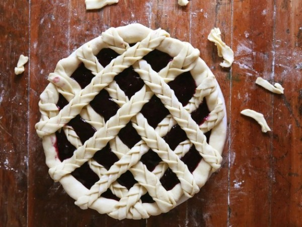 DIY-Pie-Crust-Ideas-That-Will-Make-You-Look-Like-A-Professional15-e1441813636141