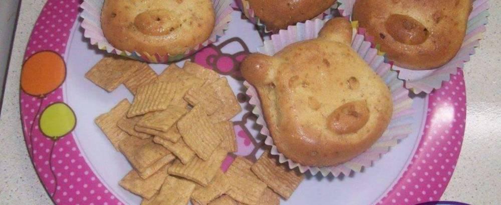 Cup cake γουρουνάκια με δημητριακά ολικής άλεσης & σταφίδες