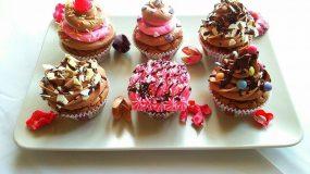 Cupcakes πραλίνας με κρέμα βανίλια-κακάο!