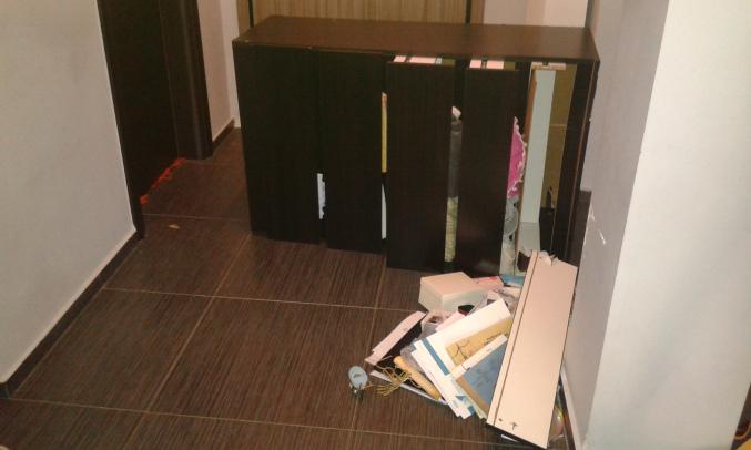 Η συρταρίέρα που έπεσε κυριολεκτικά 5 εκατοστά απο το παιδι μου!