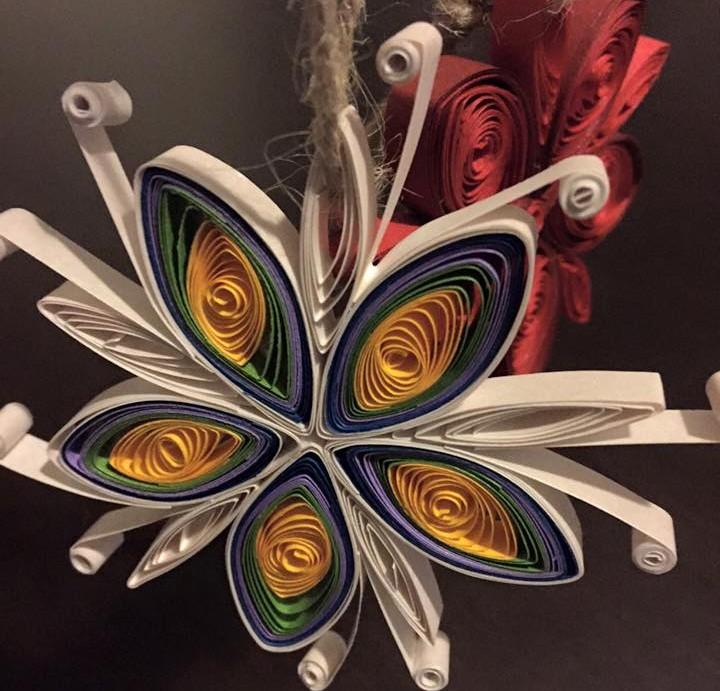 Φτιάξτε υπέροχα Χριστουγεννιάτικα στολίδια από χαρτί (video)