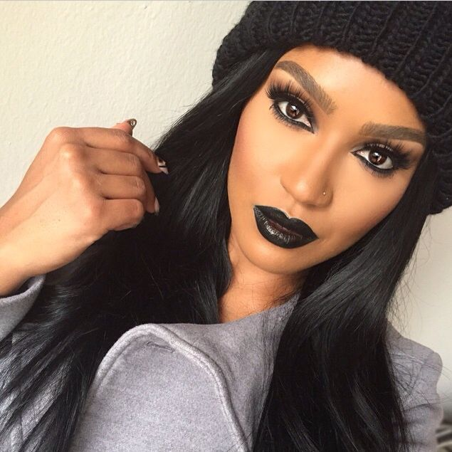 Black lips makeup