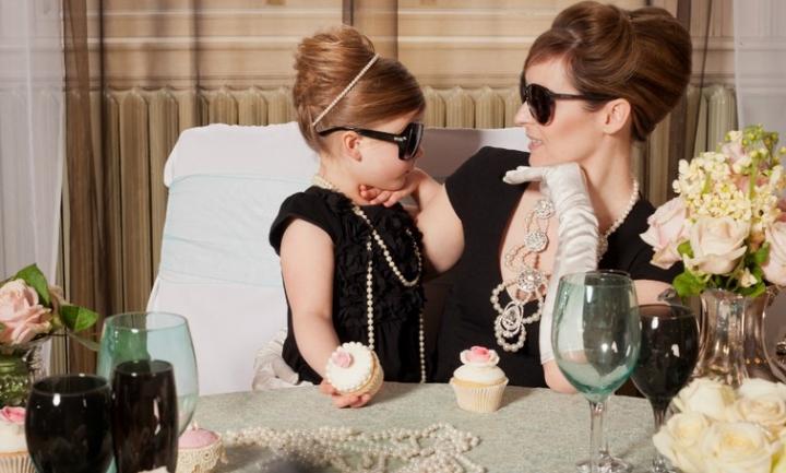 5 σημαντικά πράγματα που χρειάζεται μια κόρη από τη μαμά της!