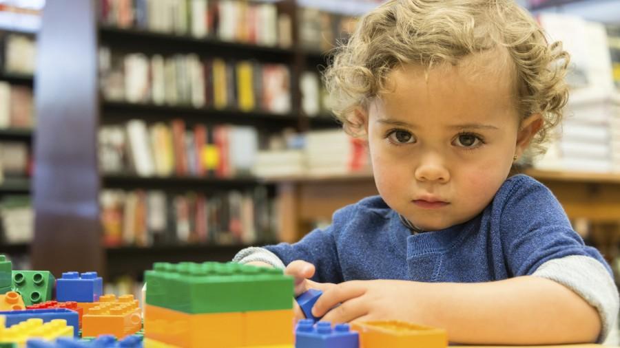 Αυτισμός: Πότε και πως πρέπει να μιλήσουμε για αυτό στο παιδί