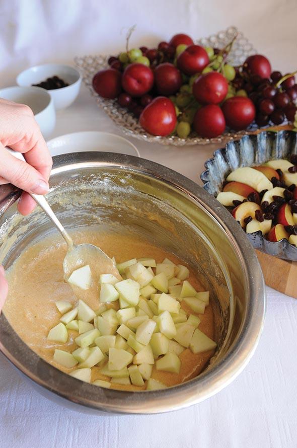 Ανάποδο κέικ με  σταφίδες και μήλο!