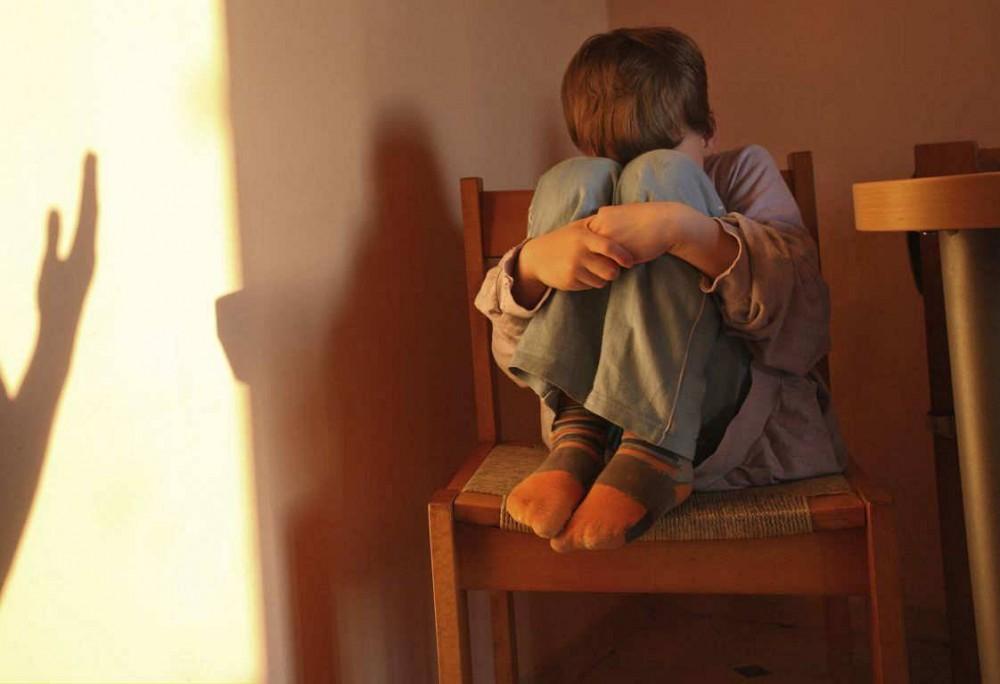 8χρονος σκότωσε βρέφος ενός έτους γιατί δεν σταματούσε να κλαίει!