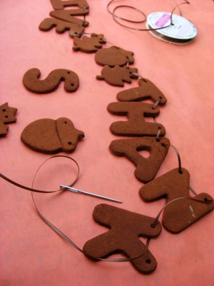 cookie-cutter-gingerbread-garland