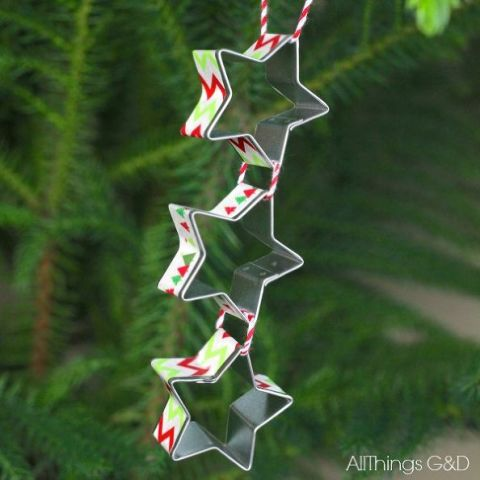 cookie-cutter-shooting-star-ornament
