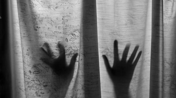 Φρίκη! Παππούς βίαζε την 9χρονη εγγονή του – Ανάγκαζε τον 13χρονο αδερφό της να συμμετέχει!
