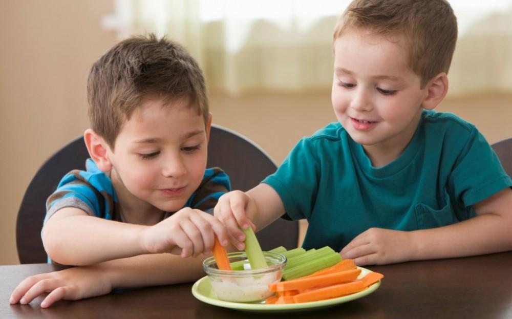 Ολα τα κόλπα για να τρώει το παιδί σας υγιεινά από την Αργυρώ Μπαρμπαρίγου