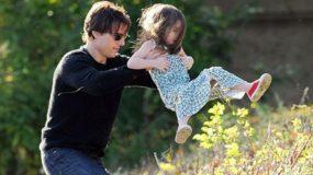 Μαρτυρία που θα συζητηθεί: Δείτε τι έκανε ο Τομ Κρουζ στην κόρη του! (photos)