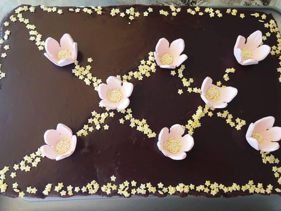 Νηστίσιμη τούρτα με μελομακάρονα