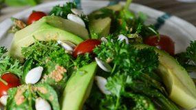 Η θαυματουργή σαλάτα που διώχνει την κυτταρίτιδα!