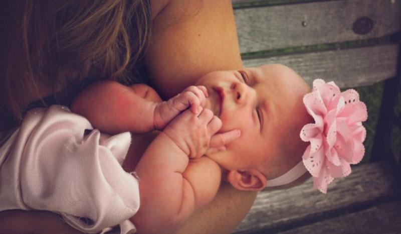 Όλες οι υπερβολές που κάνουν οι μαμάδες όταν αποκτούν το πρώτο παιδί!