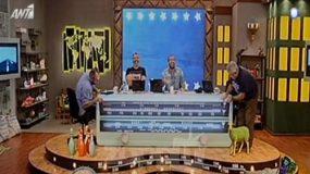 Kατέρρευσε on air το σκηνικό των Ράδιο Αρβύλα(video)